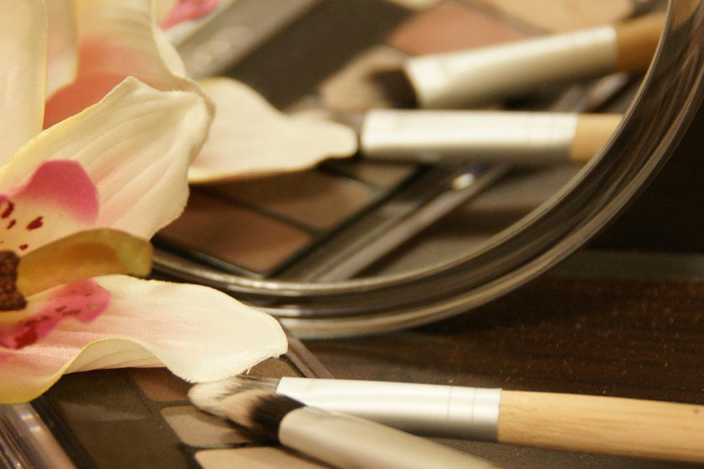 make up palette mit pinseln mara caran Kosmetik